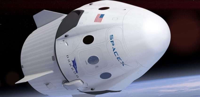 صورة كبسولة سبيس اكس ترسو في محطة الفضاء الدولية بنجاح
