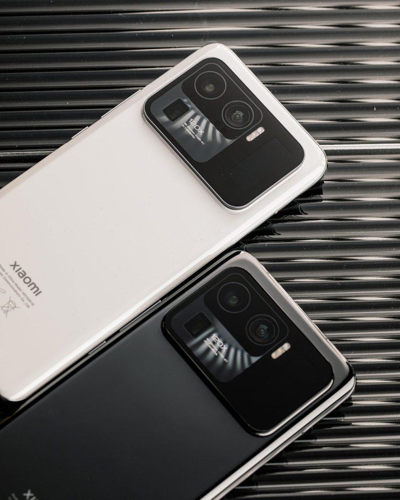 شاومي مي 11 الترا هاتف بشاشتين أمامية وخلفية رسميًا