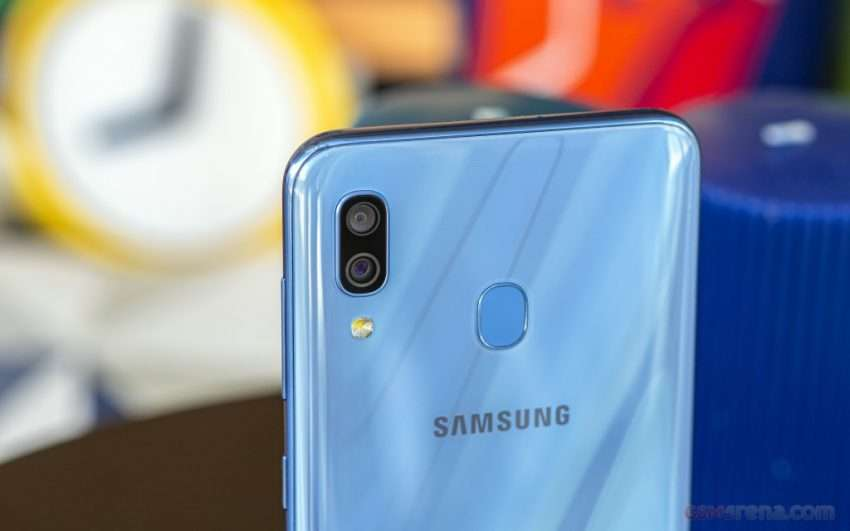 جالكسي اى 30 - Galaxy A30 يحصل على أندرويد 11 وواجهة One UI 3.1