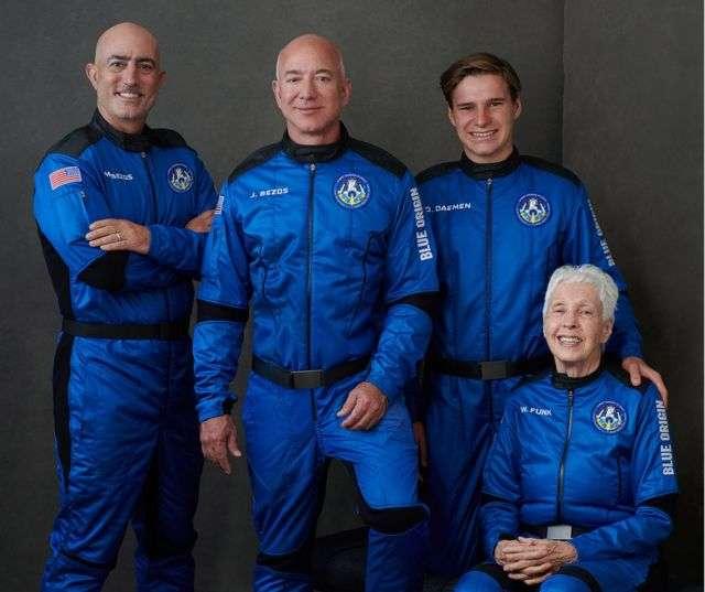 جيف بيزوس يرافق ثمانينية ومراهق في رحلة سياحية تاريخية إلى الفضاء - تفاصيل شيّقة!