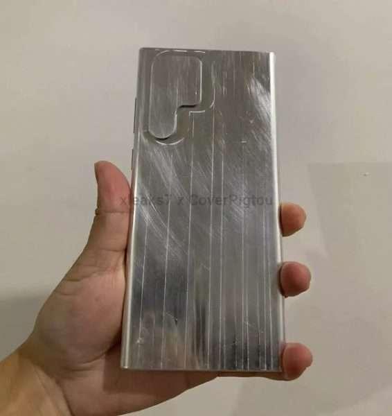 سامسونج جالكسي اس 22 الترا – Samsung Galaxy S22 Ultra يظهر بتصميمه الجديد في قوالب معدنية مسرّبة