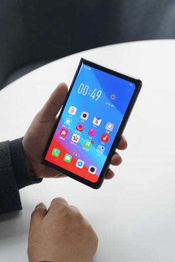 هاتف اوبو القابل للطي يظهر في تسريب جديد يكشف المواصفات الرئيسية للهاتف
